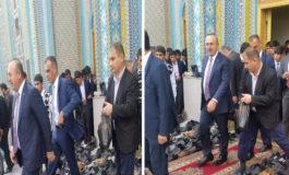 Вазири корҳои хориҷаи Туркия дар намози ҷумъаи масҷиди марказии Душанбе ширкат кард