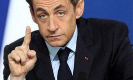 Никола Саркози боз алайҳи либоси мусалмонӣ садо баланд кард