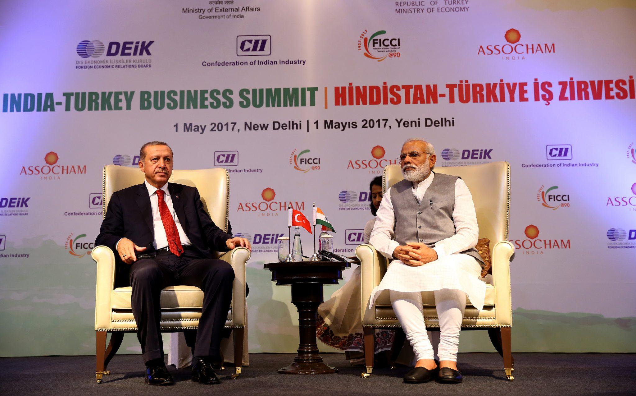 """Cumhurbaşkanı Recep Tayyip Erdoğan ve  Hindistan Başbakanı Narendra Modi, """"Hindistan-Türkiye İş Zirvesi""""ne katıldı.   ( Kayhan Özer - Anadolu Ajansı )"""